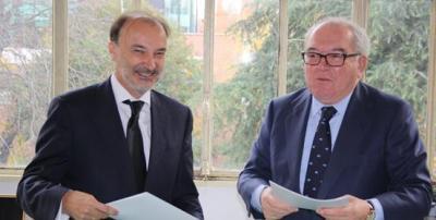 Jesús Gracia y Eduardo Serra tras la firma del Memorandum de Entendimiento. Foto: Fundación Ortega-Marañón